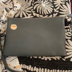 Vegan leather crossbody bag — very organized!